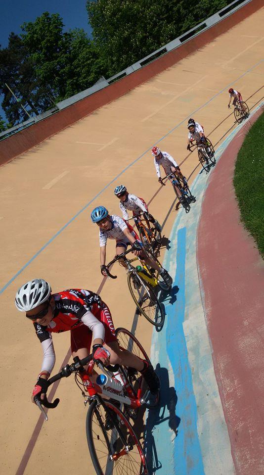ecole vélo sur piste
